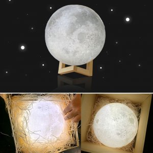 3D Color Changing Moon Lamp Image 2